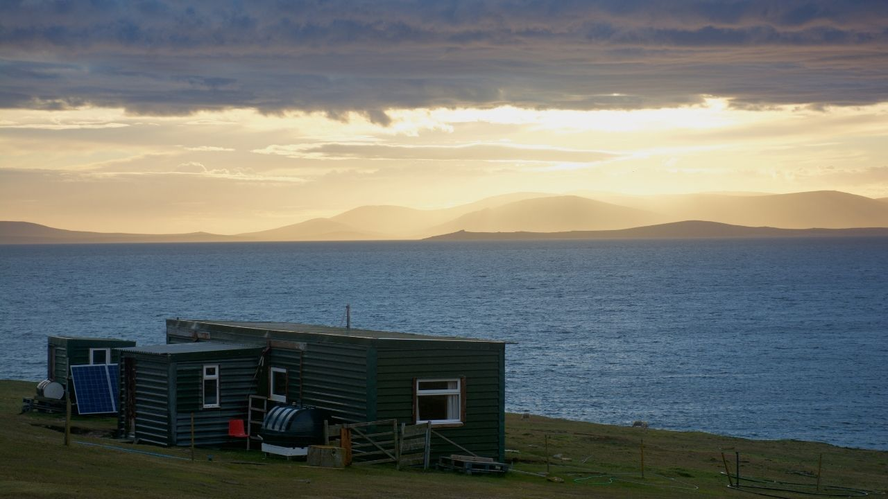 living off grid in the uk